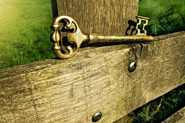 key, metal, entrance-1600617.jpg